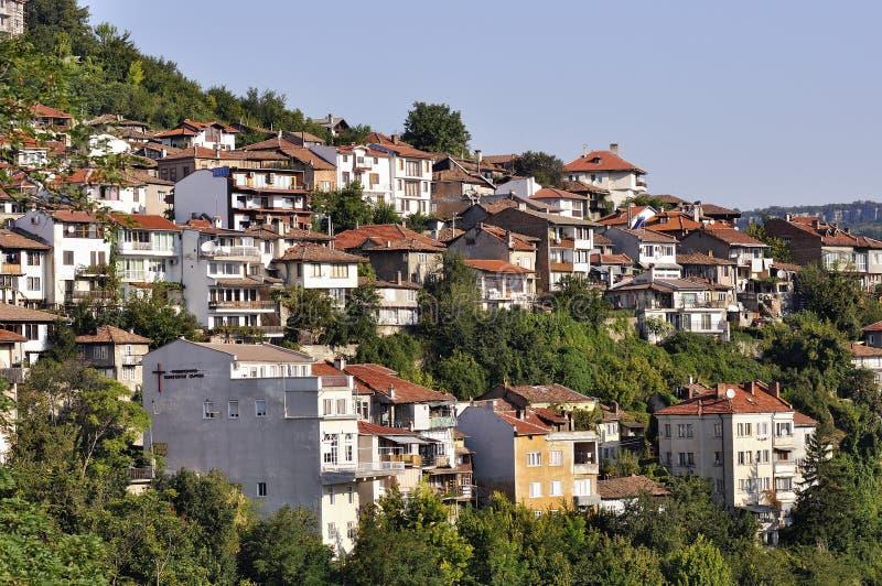 Sikt från Veliko Tarnovo, medeltida stad i Bulgarien fotografering för bildbyråer