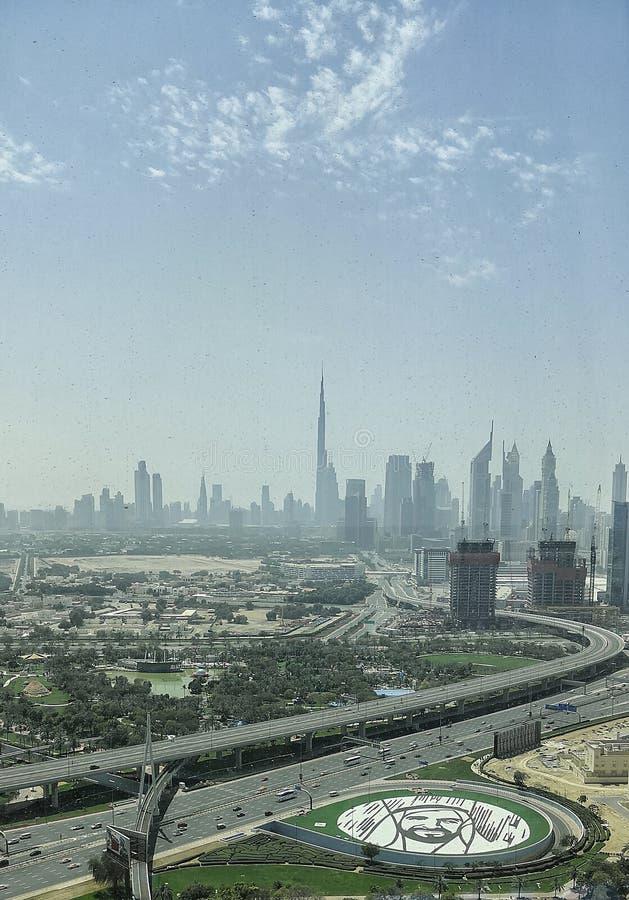 Sikt fr?n den Dubai ramen royaltyfri bild