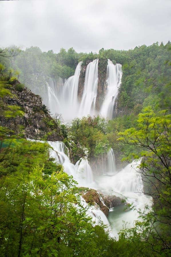 Sikt i Plitvice sjöarna royaltyfri fotografi