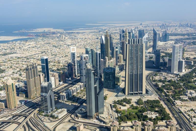 Sikt i stadens centrum Dubai royaltyfria foton