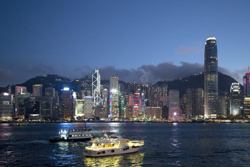 Sikt Kina Asien för Hong Kong Victoria Harbor horisontnatt royaltyfria bilder