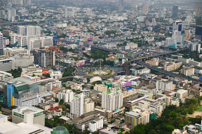 Sikt med skyskrapan Bangkok thailand fotografering för bildbyråer