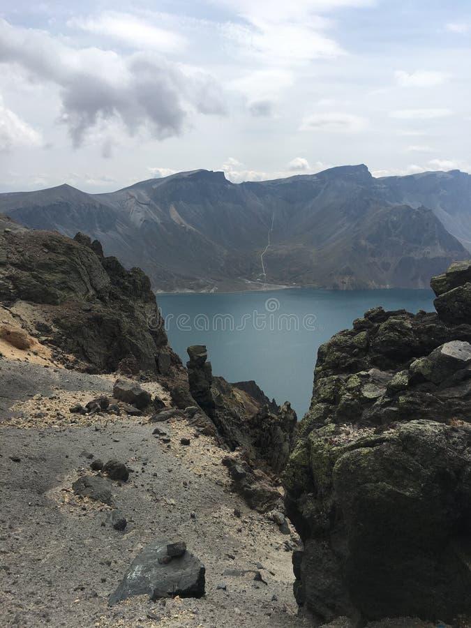 Sikt och landskap för bra berg bästa på det Changbai berget fotografering för bildbyråer