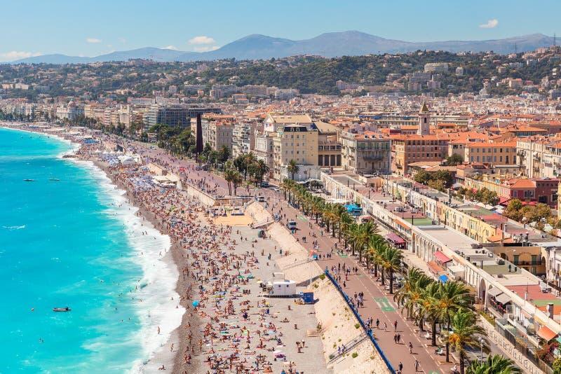 Sikt på Anglais promenad och stad av Nice, Frankrike arkivfoto