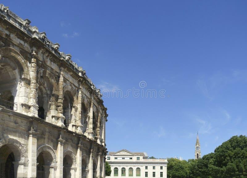 Sikt på arenan av Nimes, romersk amfiteater i Frankrike royaltyfria bilder