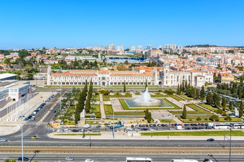 Sikt på Belem och den Jeronimos kloster, Lissabon royaltyfri bild