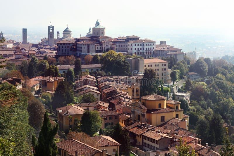 Sikt på Bergamo, Italien royaltyfria bilder