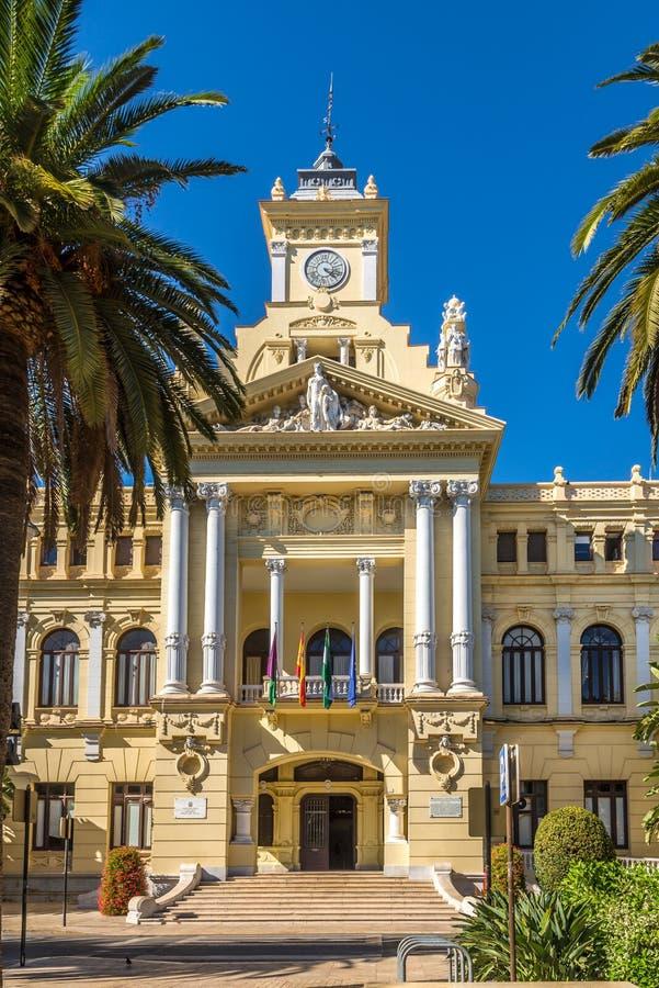 Sikt på byggnaden av stadshuset i Malaga, Spanien royaltyfri foto