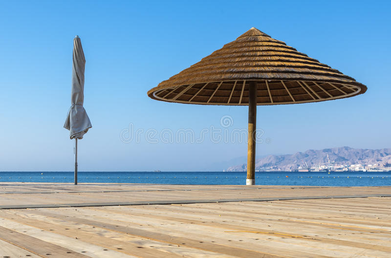 Sikt på den Aqaba golfen från Eilat, Israel arkivbilder