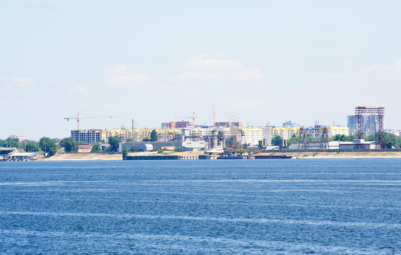 Sikt på den Engels staden från Volga River Ryssland arkivbilder