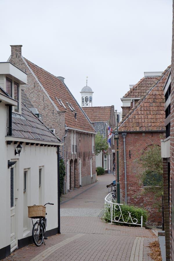 Sikt på den historiska staden av Dokkum, Nederländerna arkivfoto