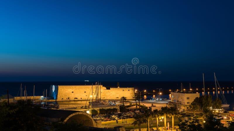 Sikt på den Koules fästningen den Venetian slotten av Heraklion i den Heraklion staden, Kreta, Grekland arkivfoton