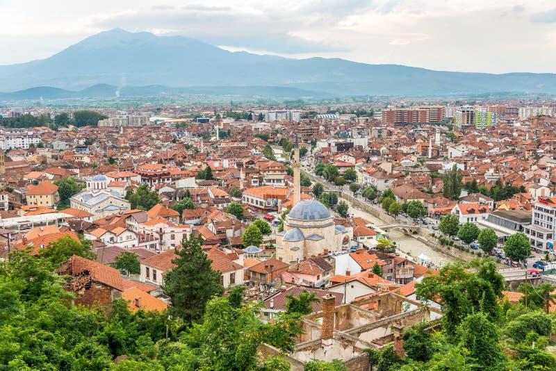 Sikt på den Prizren staden i Kosovo royaltyfria foton