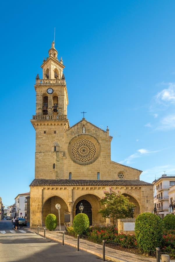 Sikt på den San Lorenzo kyrkan i Cordoba, Spanien royaltyfria bilder