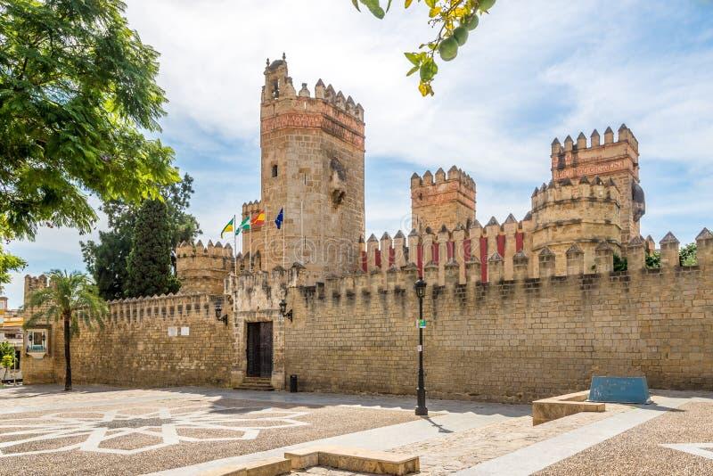 Sikt på den San Marco slotten i staden för El Puerto de Santa Maria, Spanien royaltyfri bild