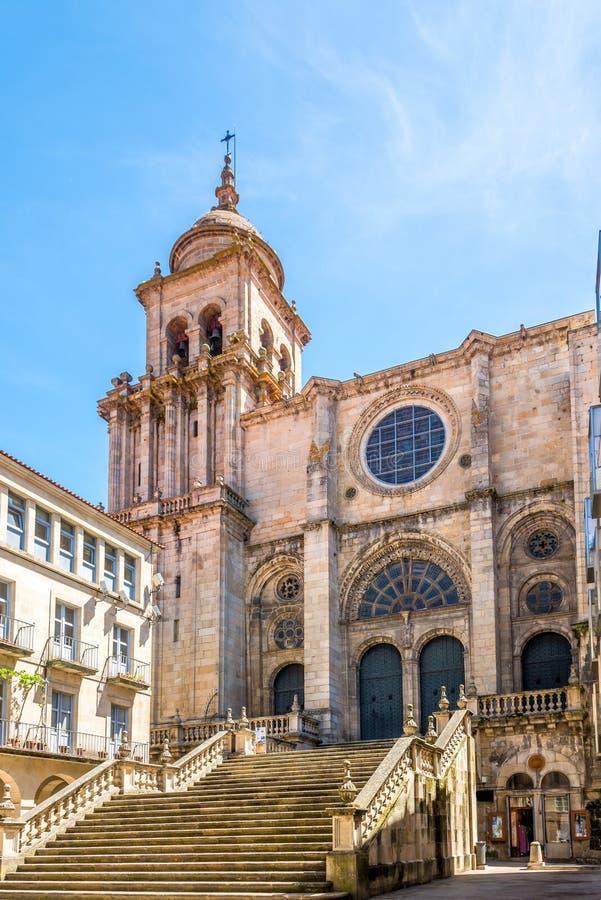 Sikt på domkyrkan av Saint Martin i Ourense - Spanien arkivfoton