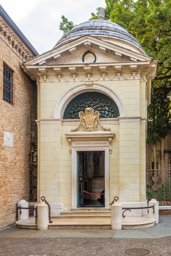 Sikt på gravvalvet av Dante i Ravenna - Italien arkivfoto