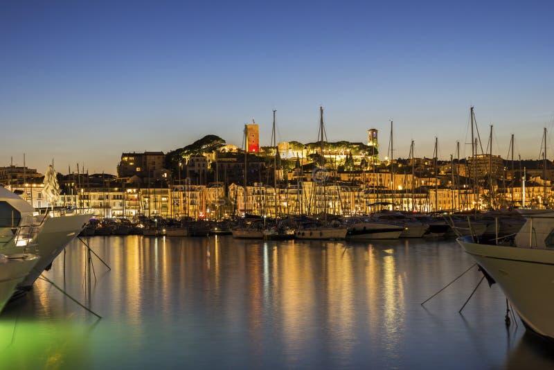 Sikt på hamnen i Cannes på franska Riviera royaltyfria foton
