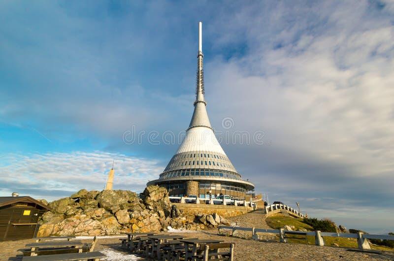 Sikt på Jested tornet, Liberec, Tjeckien arkivbild