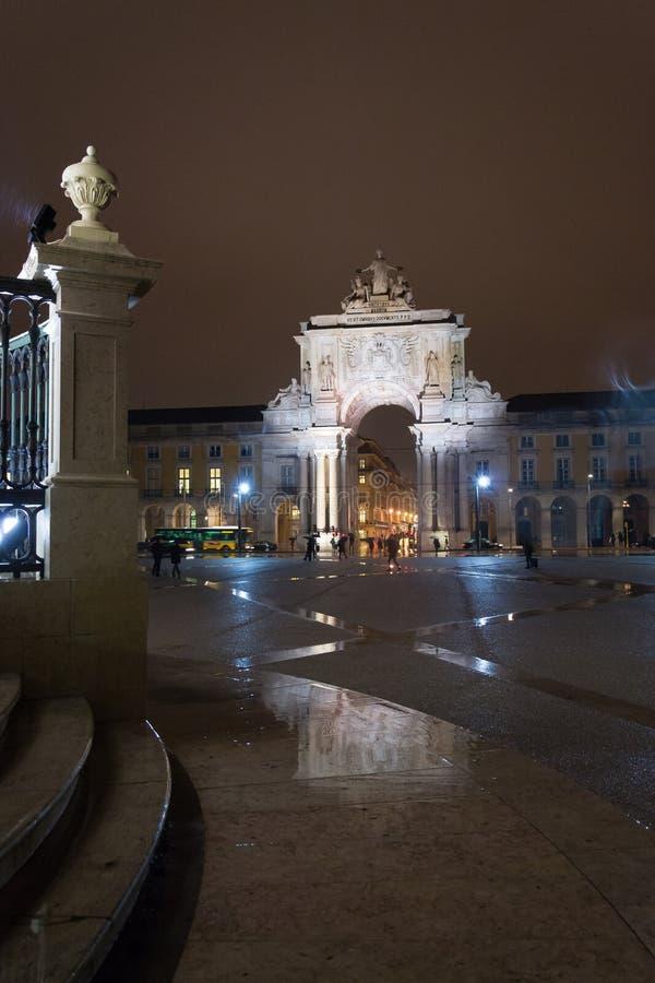 Sikt på kommersfyrkanten i aftonbelysning, Lissabon, Portugal arkivfoton