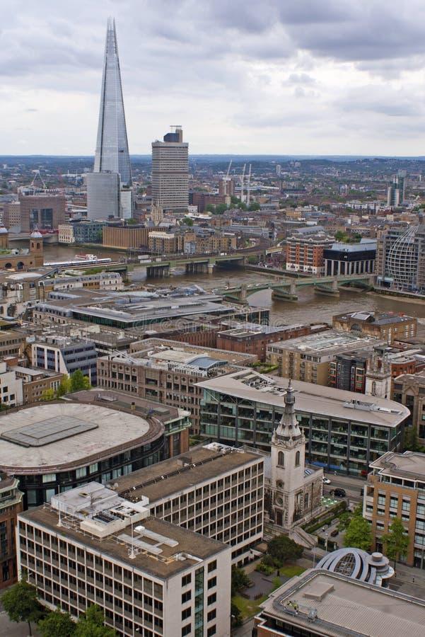 Sikt på London uppifrån arkivfoton
