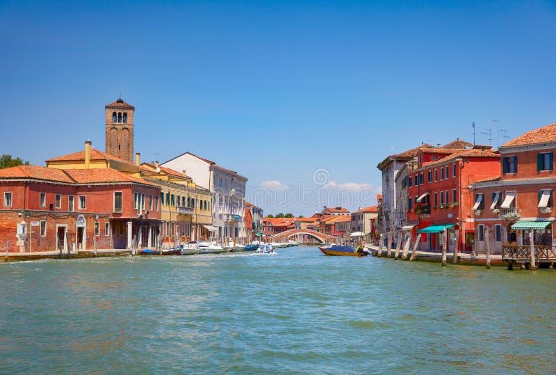Sikt på Murano kanaler, Italien arkivfoton
