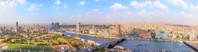 Sikt på Nilen i Kairo, panorama från ovanför, Egypten royaltyfria bilder