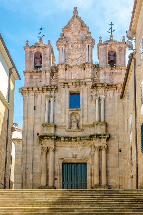 Sikt på portalen av Santa Maria Church av Ourense i Spanien arkivfoton