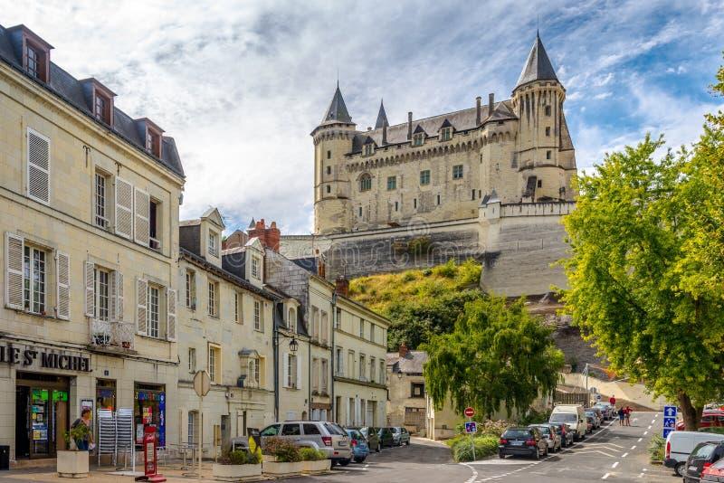 Sikt på slotten i Saumur arkivfoto