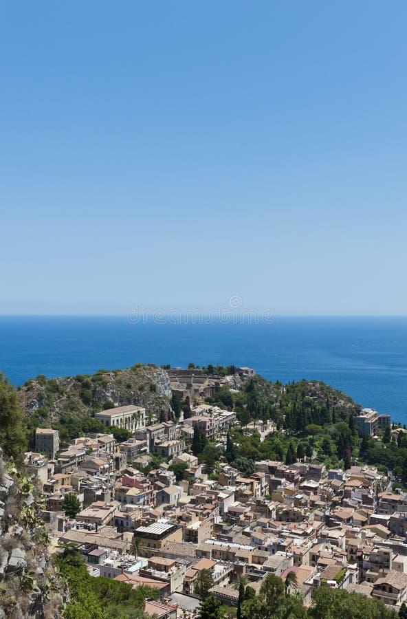 Sikt på Taormina royaltyfri bild