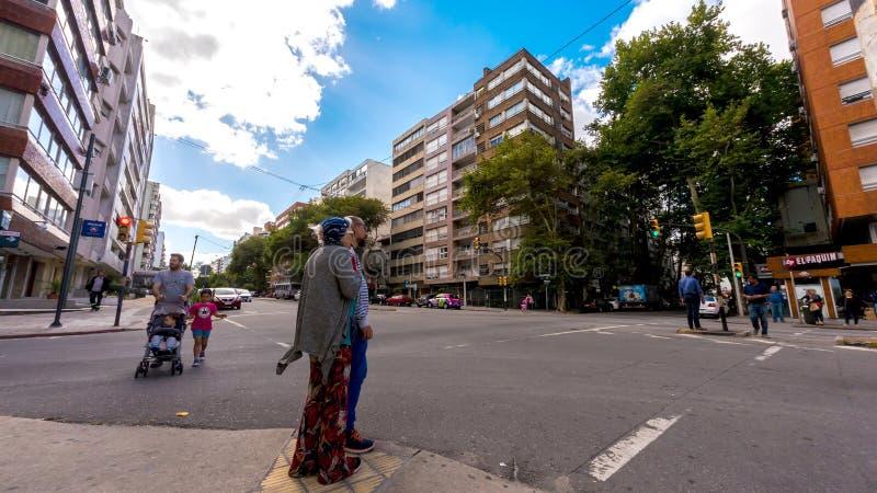 Sikt på trafik i Montevideo arkivbilder