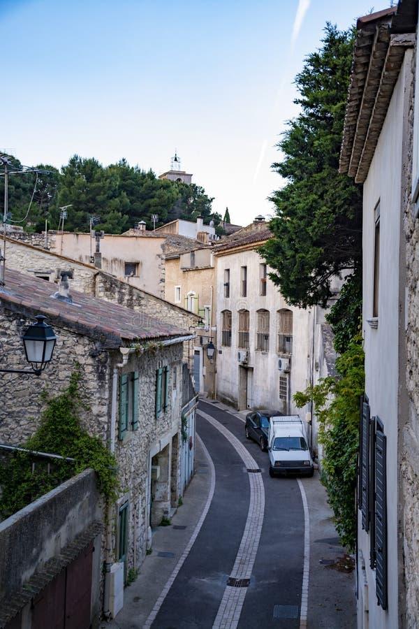 Sikt p? traditionella och medeltida hus i Provence, s?der av Frankrike, semester och turist- destination royaltyfri foto