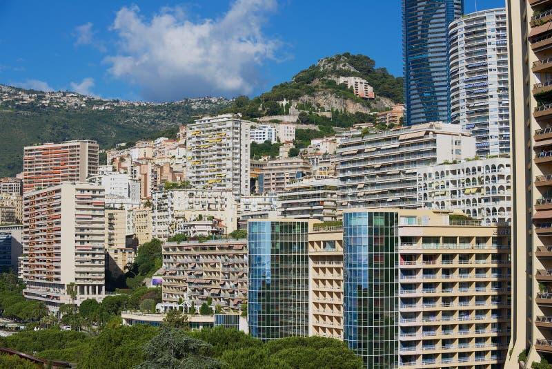 Sikt till bostadsområdebyggnaderna i Monaco, Monaco royaltyfria foton