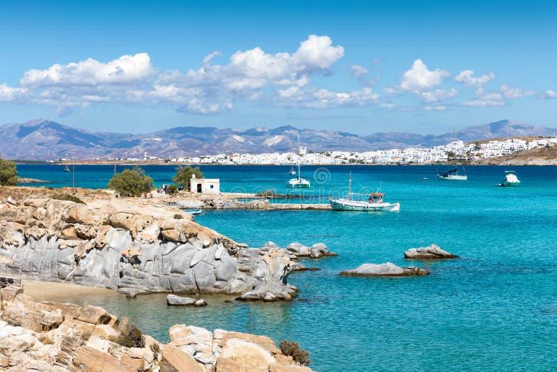 Sikt till den berömda Kolymbithres stranden på den Paros ön, Cyclades, Grekland fotografering för bildbyråer