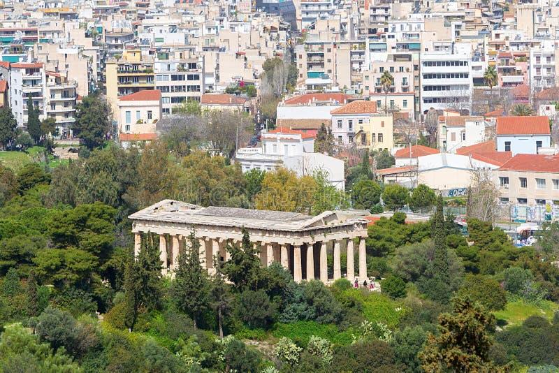 Sikt till den Hephaestus templet från akropolen, Aten, Grekland arkivfoton