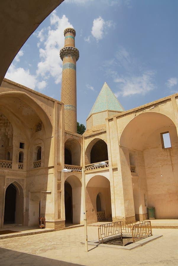 Sikt till den inre gården av moskén i Natanz, Iran arkivfoto