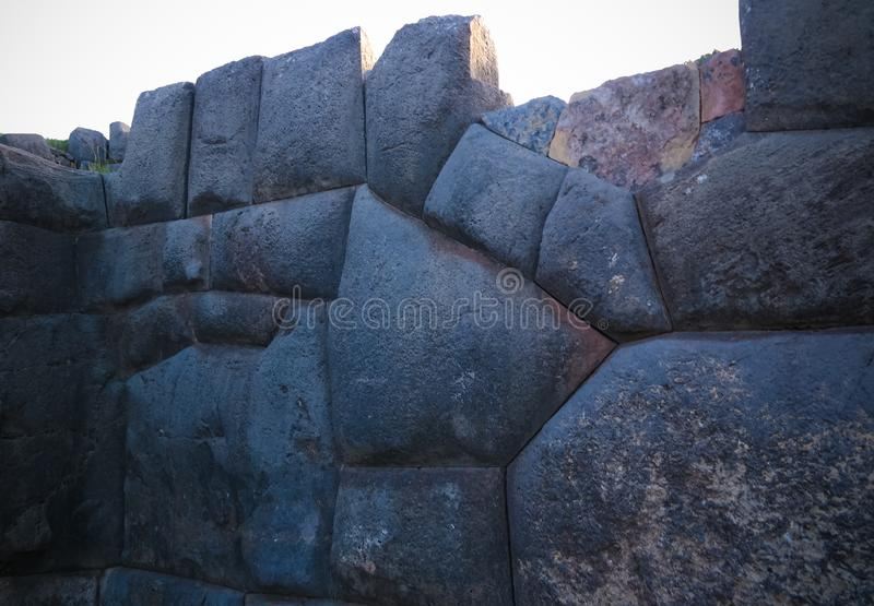 Sikt till den Sacsayhuaman UNESCOvärldsarvet, Cusco, Peru royaltyfria foton