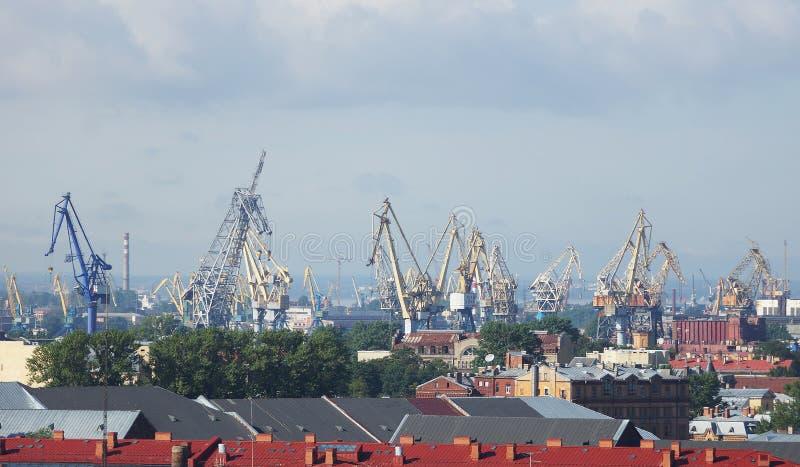 Sikt till den St Petersburg hamnstaden, Ryssland arkivbilder