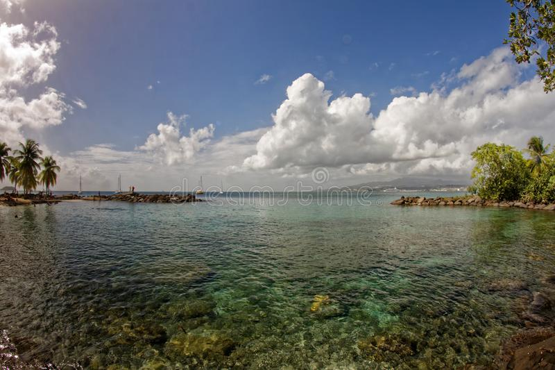 Sikt till Fort de France från La Pointe du Anfall - Martinique royaltyfri foto