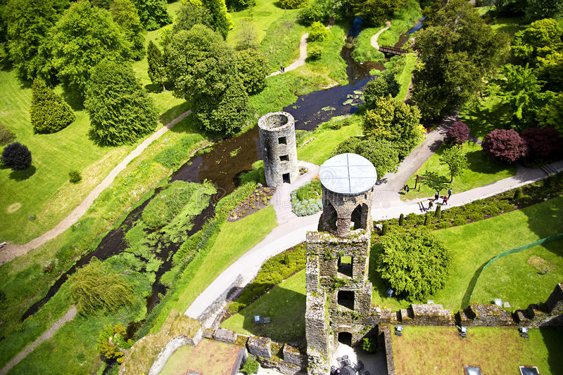 Sikt uppifrån av Blarney slotten Irland fotografering för bildbyråer