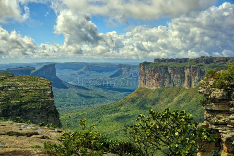 Sikt uppifrån av den Pai Inácio kullen, Palmeiras, Bahia, Brasilien royaltyfri fotografi