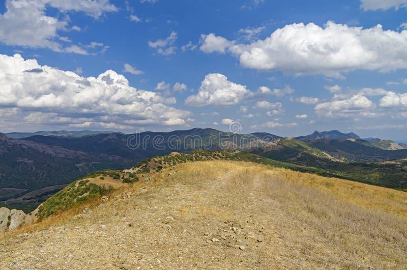 Sikt uppifrån av ett berg crimea royaltyfri fotografi