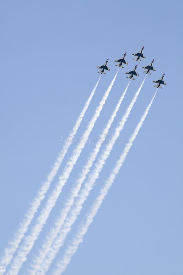 sikta höga thunderbirds för flygvapen oss arkivfoton