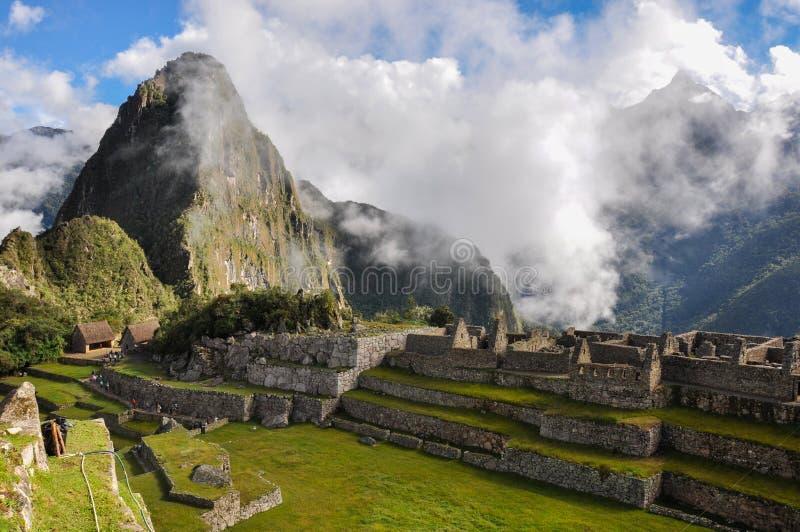 Sikten över den Machu Picchu incaen fördärvar, Peru royaltyfri fotografi