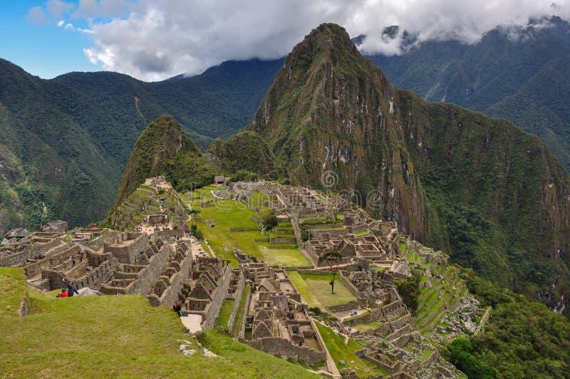 Sikten över den Machu Picchu incaen fördärvar, Peru royaltyfria bilder