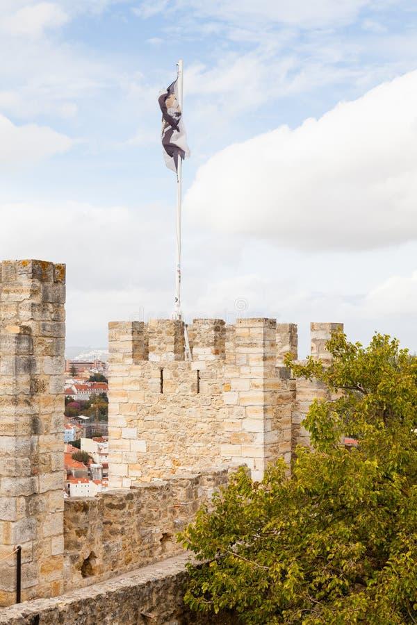 Sikten över den SaoJorge slotten i Lissabon, Portugal fotografering för bildbyråer