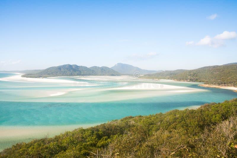 Sikten över whiteheaven strand- och turkosvatten på fjärden royaltyfri foto
