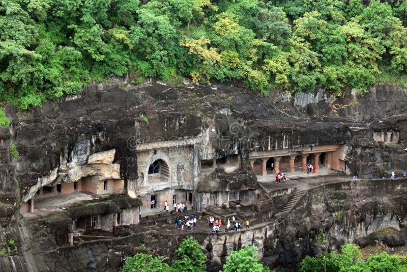 Sikten av Ajanta grottor, vagga-snitt de buddistiska monumenten arkivbild