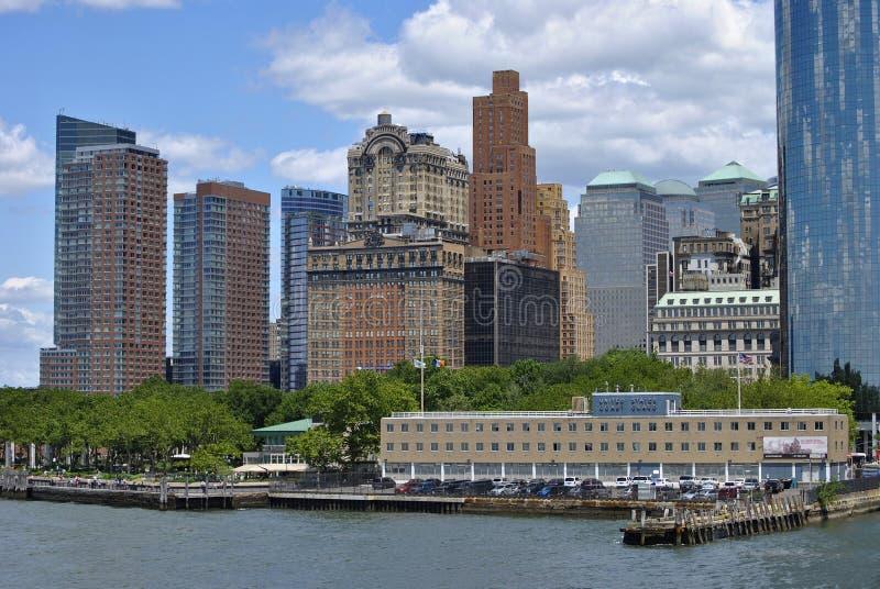 Sikten av batteriet parkerar område i Manhattan, New York City arkivbild