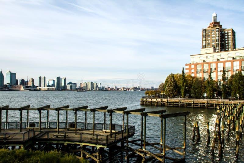 Sikten av Brooklyn från batteriet parkerar arkivfoto